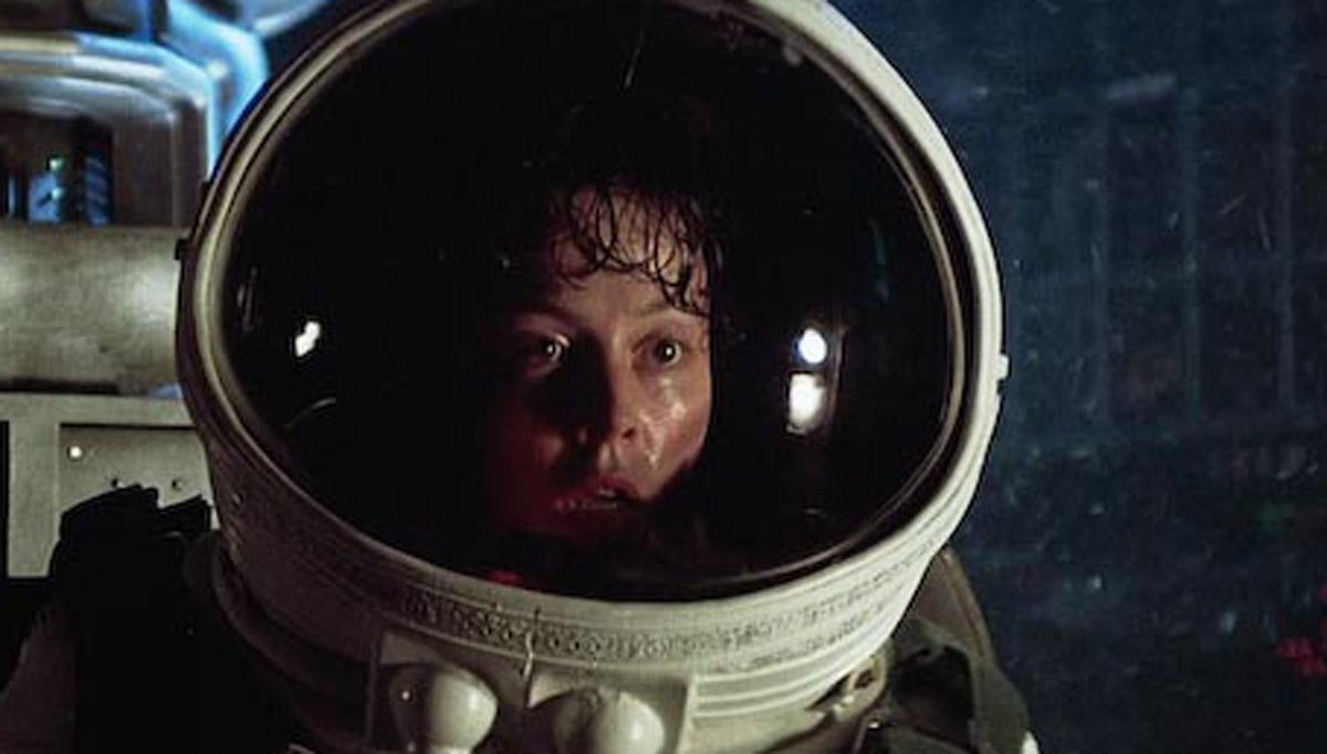 Sigourney Weaver (Ripley)